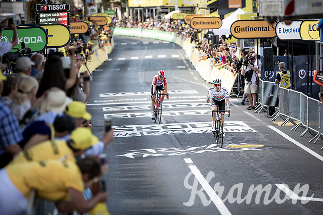 Daryl Impey (ZAF/Mitchelton-Scott) beats Tiesj Benoot (BEL/Lotto-Soudal) on the finish line & wins stage 9<br /> <br /> Stage 9: Saint-Étienne to Brioude (170km)<br /> 106th Tour de France 2019 (2.UWT)<br /> <br /> ©kramon