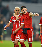 05.12.2017, Football UEFA Champions League 2017/2018,  , 6. match day, FC Bayern Muenchen - Paris Saint Germain, in Allianz-Arena Muenchen, James Rodriguez (re, FC Bayern Muenchen) umarmt Rafinha (FC Bayern Muenchen)  *** Local Caption *** © pixathlon<br /> <br /> +++ NED + SUI out !!! +++<br /> Contact: +49-40-22 63 02 60 , info@pixathlon.de