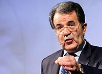 Roma 11 02 2006 Unione:Presentazione del Programma 2006-2011<br /> Nella foto il leader dell'Unione Romano Prodi <br /> Photo Serena Cremaschi Insidefoto