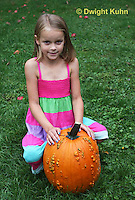 DC08-568z Children with Halloween Pumpkins, just picked, PRA