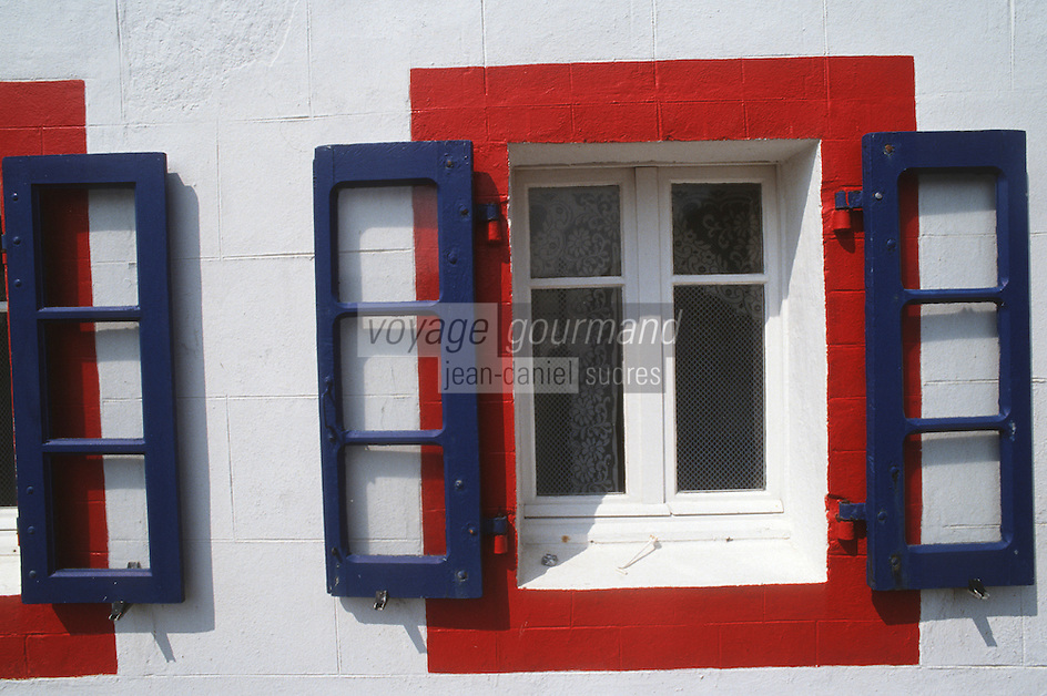 Europe/France/Bretagne/29/Finistère/Ile d'Ouessant: chez Mr LEGALL à KERLAN, détail fenêtre