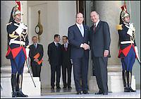 Jacques CHIRAC recoit le Prince Albert II de Monaco ‡ l'Elysees #