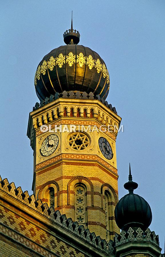 Torre com relógio. Budapeste. Hungria. 1995. Foto de João Caldas.