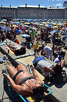 Thousands of people fill the beaches of Mar del Plata, the main beach resort of Argentina in the best tourism season ever in the city. Around 1.5 million visitors crowded the city during January, the first month of summer in this southern country. The summer tourism reflects the growth of Argentinean GDP estimated in 9.1 percent during 2011.