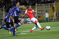 BOGOTÁ- COLOMBIA,17-07-2019:Diana Celis(Der.) jugadora de Millonarios femenino  disputa el balón con Sara Paez (Izq.) jugadora de Independiente Santa Fe  femenino  durante el 3 partido de la Liga Águila Femenina 2019 jugado en el estadio Metropolitano de Techo de la ciudad de Bogotá. /Diana Celis (R) player of Millonarios fights the ball  against of Sara Paez (L) player of Independiente Santa Fe during the third match for the Liga Aguila women  2019 played at the Metropolitano de Techo stadium in Bogota city. Photo: VizzorImage / Felipe Caicedo / Staff