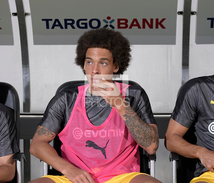 20.08.2018, Football DFB Pokal 2018/2019, 1. round, SpVgg Greuther Fuerth - Borussia Dortmund, Sportpark Ronhof in Fuerth. Axel Witsel (Dortmund) substitution bench.<br /><br /><br />***DFB rules prohibit use in MMS Services via handheld devices until two hours after a match and any usage on internet or online media simulating video foodaye during the match.*** *** Local Caption *** © pixathlon<br /> <br /> Contact: +49-40-22 63 02 60 , info@pixathlon.de