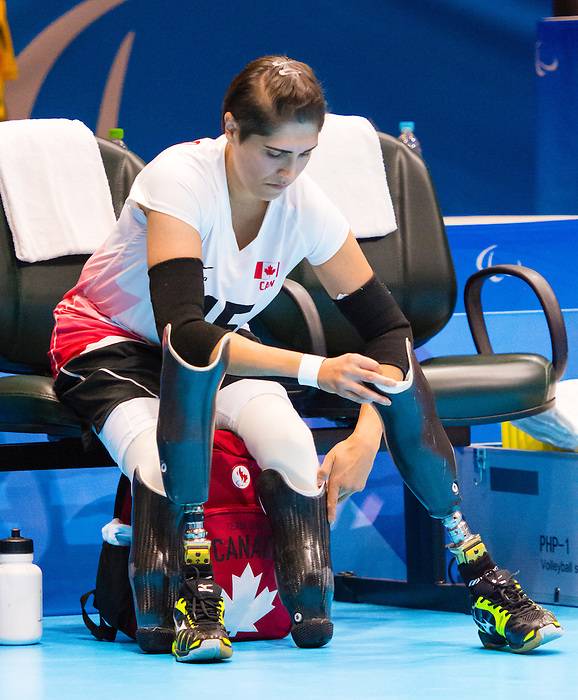 Felicia Voss-Shafiq, Rio 2016 - Sitting Volleyball // Volleyball assis.<br /> Canada competes against Ukraine in the Women's Sitting Volleyball Preliminary // Le Canada affronte l'Ukraine dans le tournoi préliminaire de volleyball assis féminin. 13/09/2016.