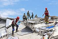 PEDERNALES - ECUADOR - 18-04-2018: Aspecto de la devastación en la ciudad de Pedernales, al norte del Ecuador, causada por el terremoto de 7.8 grados en la escala de Ritcher el pasado 16 de abril de 2016. / Aspect of the devastation at Pedernales city, north of Ecuardor, caused by the earthquake of 7.8 grades Ritcher scale the last April 16 2016.. Photo: VizzorImage / Vinicio Macias / Agencia Cronistas Gráficos