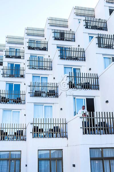 Europa, Spanien, Balearen, Mallorca, Cap Formentor, Serra de Tramuntana, Cala de Sant Vincenc, <br /> <br />  Engl: Spain, the Balearic Islands, Mediterranean Sea, Cliffs, bay, Hotel Sentido Don Pedro, balconies