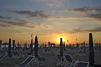 - Viareggio (Toscana), stabilimento balneare al tramonto<br /> <br /> - Viareggio (Tuscany), beach resort at sunset