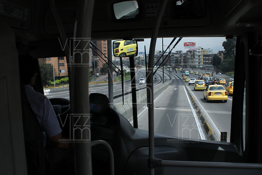 BOGOTA -COLOMBIA. 6-02-2014.Dia sin carro en la capital. Car Free Day in the capital.   Photo: VizzorImage/ Felipe Caicedo / Staff
