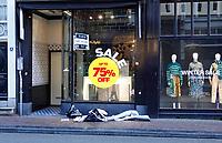 Nederland  Amsterdam - 12-01- 2021.   Lockdown. Retail. Winkel te huur. Sale.   Foto : ANP/ HH / Berlinda van Dam