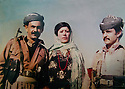 Iraq 1983 .In his village of Qara Dagh, left, Sheikh Jaffar with his wife Pershan and a cousin  .Irak 1983 .Dans son village de Qara Dagh, a gauche , Sheikh Jaffar avec sa femme Pershan et un cousin