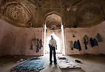 2009_05_Mughal Tomb Squatters_Delhi