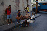 domino players in the streets of Santiago
