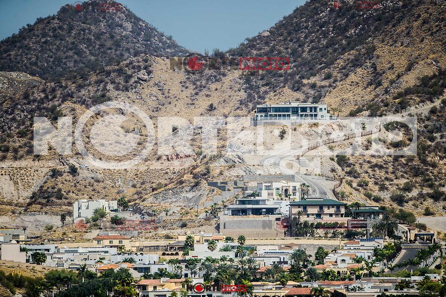 residencial la Jolla, de la clase pudiente, ubicado en una colina de la ciudad en medio del desierto de Hermosillo, Sonora Mexico <br /> Hermosillo, Sonora. <br /> , residencial la jolla, casas, lujo, residencial, mansion, residencia, residencial,  arquitectura, hermosillense, casas de lujo, desierto, árido, desert, colina, hill, mirador<br /> <br />  (Foto:Luis Gutierrez NortePhoto.com).<br /> <br /> <br /> residential La Jolla, of the well-off class, located on a hill in the city in the middle of the desert of Hermosillo, Sonora Mexico<br /> Hermosillo, Sonora.<br /> , residential la jolla, houses, luxury, residential, mansion, residence, residential, architecture, hermosillense, luxury homes, desert, arid, desert, hill, hill, mirador<br /> <br />  (Photo: Luis Gutierrez NortePhoto.com).
