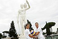 Le atlete della nazionale italiana di Beach Volley Laura Giombini, a sinistra, e Valeria Rosso, posano a Roma, 31 maggio 2011, in occasione della presentazione dei mondiali di Beach Volley in programma al Foro Italico dal 13 al 19 giugno..UPDATE IMAGES PRESS/Riccardo De Luca