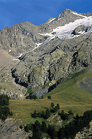 Glaciers on the Barre des Ecrins and Rateau mountains in the French Alps, France.