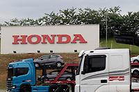 Sumaré (SP), 25/02/2021 - Honda - A montadora Honda anunciou a paralisação temporária na linha de produção da fábrica de Sumaré (SP). A medida, segundo a montadora, se deu pela dificuldade de receber peças, em virtude da pandemia do novo coronavírus. Em nota, a montadora justificou que a paralisação se deu pelos impactos da pandemia da covid-19 nas cadeias globais de suprimento, que acarretou na paralização da entrega de semicondutores, utilizado na produção do modelo Civic.