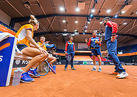 Den Bosch, The Netherlands, April 15, 2021,    Maaspoort, Billy Jean King Cup  Netherlands -  China : Practise  Dutch team, ltr: Aranxta Rus (NED) Demi Schuurs (NED) coach Peter Lucassen (NED)  Camptain Paul Haarhuis (NED) and  coach Julian Alonso (ESP)<br /> Photo: Tennisimages/Henk Koster
