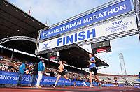 Nederland - Amsterdam - 2018 . De Marathon van Amsterdam. Finish van de Kids Run in het Olympisch Stadion.  Foto Berlinda van Dam / Hollandse Hoogte