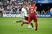 Thomas Müller (D) gegen Kamil Grosicki (POL) - EM 2016: Deutschland vs. Polen, Gruppe C, 2. Spieltag, Stade de France, Saint Denis, Paris