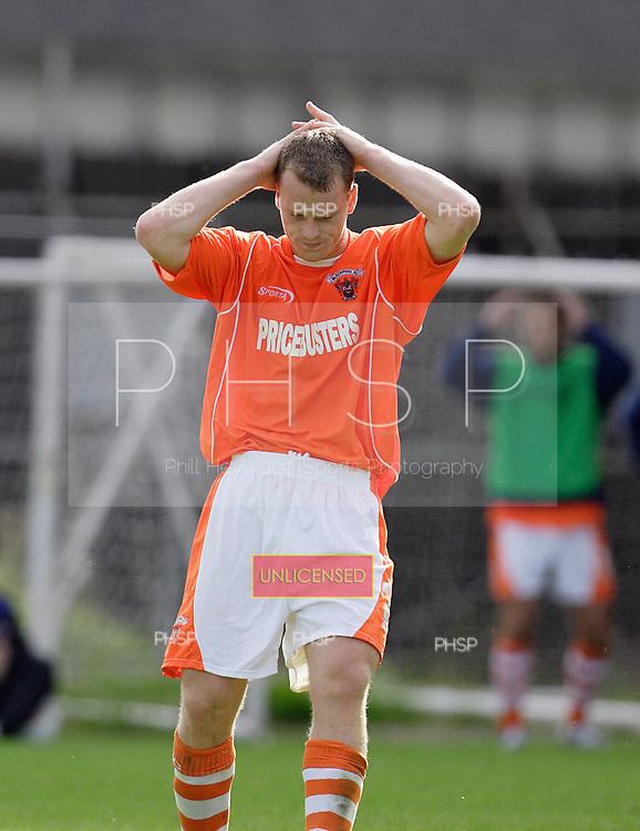 07595 Flynn MJ miss.Blackpool v  Luton