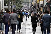 Campinas (SP), 19/11/2020 - Clima-SP - Movimentacao no centro da cidade de Campinas (SP), com frio e garoa nesta quinta-feira (19). (Foto: Denny Cesare/Codigo 19/Codigo 19)