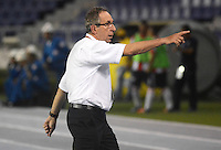 BARRANQUILLA -COLOMBIA, 11-NOVIEMBRE-2015. Gerardo Pelusso  director técnico del Independiente Santa Fe  en acción contra el  Atlético Junior   durante  el partido de la final ida de la Copa  Aguila II 2015 jugado en el estadio Metropolitano Roberto Meléndez./ Gerardo Pelusso  coach of Independiente Santa Fe  in actions   against  of Atletico Junior   by the end of the first leg match of the Copa II 2015 Aguila played in Metropolitano Roberto Melendez  stadium . Photo: VizzorImage / Alfonso Cervantes / Str