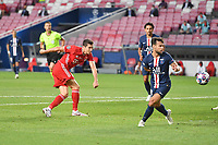 23rd August 2020, Estádio da Luz, Lison, Portugal; UEFA Champions League final, Paris St Germain versus Bayern Munich;  Robert LEWANDOWSKI (M) fires a shot past Juan BERNAT (PSG) but hits the goal post