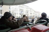 Turisti su un vaporetto lungo il Canal Grande, a Venezia.<br /> Cruising up the Grand Canal on a vaporetto in Venice.<br /> UPDATE IMAGES PRESS/Riccardo De Luca