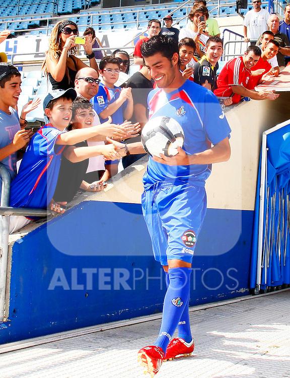 Getafe's new player Miguel Angel Torres during his presentation. September 1 2009. (ALTERPHOTOS/Angel Rivero).
