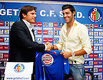Getafe's new player Miguel Angel Torres (r) and the General Manager Toni Munoz.September 1 2009. (ALTERPHOTOS/Angel Rivero).