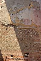 Italy: Ostia--Wall textures: Roman brick, opus reticulatum, and plaster. Photo '83.