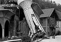 Srebrenica / Bosnia / Republika Srpska 1995<br /> Una moschea distrutta dalle truppe serbo bosniache. A mosque destroyed by Bosnian Serb troops.<br /> Photo Livio Senigalliesi