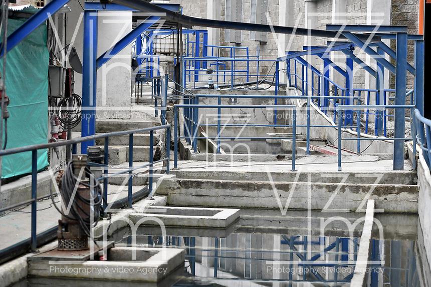 """LA LINEA - COLOMBIA, 29-08-2020: Planta de tratamiendo de aguas provenientes de los túneles. El túnel principal """"La Línea"""" tiene una longitud de  8,65 km y hace parte de El Túnel de La Línea el proyecto de infraestructura vial más importnate de Colombia que está es fase final de construcción conectará de manera eficiente los departamentos colombianos de Quindío y Tolima. El plan además consta de 24 puentes y 20 túneles de diferentes longitudes. / Water treatment plant from tunnels. The main tunnel """"La Línea"""" has a length of 8.65 km and is part of El Túnel de La Línea, the most important road infrastructure project in Colombia, which is in the final phase of construction and will efficiently connect the Colombian departments of Quindío and Tolima. The plan also consists of 24 bridges and 20 tunnels of different lengths. Photo: VizzorImage / Gabriel Aponte / Staff"""