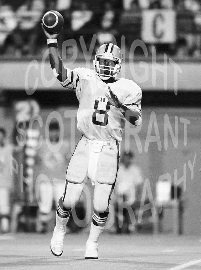 Tracy Ham Edmonton Eskimos quarterback. Copyright photograph Scott Grant
