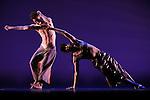 FORAY FORET (1990)<br /> <br /> Chorégraphie : Trisha Brown<br /> Scenographie et costumes : Robert Rauschenberg<br /> Lumiere : Spencer Brown, Robert Rauschenberg<br /> Compagnie : Trisha Brown Dance Company<br /> Cadre : Festival d'automne à Paris<br /> Lieu : Théâtre de la Ville<br /> Ville : Paris<br /> Date : 28/10/2013<br /> © Laurent Paillier / photosdedanse.com