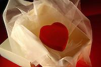 Cuore, simbolo della passione e dell' amore. .Heart, symbol of passion and love ...
