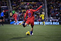 COLUMBUS, OH - NOVEMBER 07: Tobin Heath #17 of the United States passes off the ball during a game between Sweden and USWNT at MAPFRE Stadium on November 07, 2019 in Columbus, Ohio.
