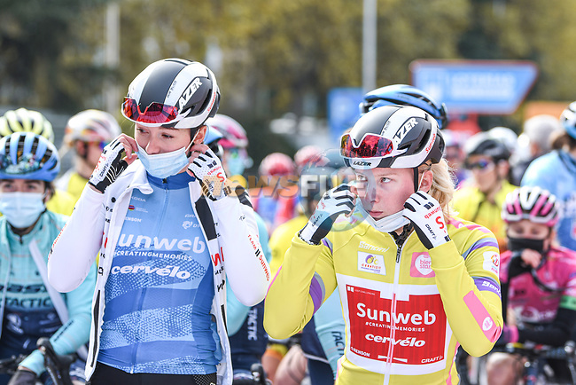 Liane Lippert (GER) and Lorena Wiebes (NED) Team Sunweb line up for the start of Stage 3 of the CERATIZIT Challenge by La Vuelta 2020, running 98.6km around the streets of Madrid, Spain. 8th November 2020.<br /> Picture: Antonio Baixauli López/BaixauliStudio | Cyclefile<br /> <br /> All photos usage must carry mandatory copyright credit (© Cyclefile | Antonio Baixauli López/BaixauliStudio)