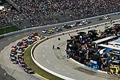 2017 Monster Energy NASCAR Cup Series<br /> STP 500<br /> Martinsville Speedway, Martinsville, VA USA<br /> Sunday 2 April 2017<br /> Martin Truex Jr, Furniture Row/Denver Mattress Toyota Camry, Denny Hamlin, FedEx Express Toyota Camry, Chase Elliott<br /> World Copyright: Scott R LePage/LAT Images<br /> ref: Digital Image lepage-170402-mv-5388