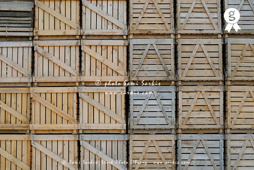 Stacks of wooden crates, close-up (Licence this image exclusively with Getty: http://www.gettyimages.com/detail/73013969 )