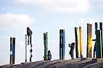 Europa, DEU, Deutschland, Nordrhein Westfalen, NRW, Ruhrgebiet, Bottrop, Halde Haniel, Installation Totems vom baskischen Maler und Bildhauer Agustín Ibarrola, Kategorien und Themen, Kunst, Kunstwerke, Bildende Kunst, Kuenste, Skulptur, Skulpturen, Tourismus, Touristik, Touristisch, Touristisches, Urlaub, Reisen, Reisen, Ferien, Urlaubsreise, Freizeit, Reise, Reiseziele, Ferienziele<br /> <br /> [Fuer die Nutzung gelten die jeweils gueltigen Allgemeinen Liefer-und Geschaeftsbedingungen. Nutzung nur gegen Verwendungsmeldung und Nachweis. Download der AGB unter http://www.image-box.com oder werden auf Anfrage zugesendet. Freigabe ist vorher erforderlich. Jede Nutzung des Fotos ist honorarpflichtig gemaess derzeit gueltiger MFM Liste - Kontakt, Uwe Schmid-Fotografie, Duisburg, Tel. (+49).2065.677997, archiv@image-box.com, www.image-box.com]