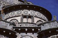 Europe/France/Auverne/63/Puy-de-Dôme/Saint-Nectaire: Le chevet de l'église romane (XIIème siècle)