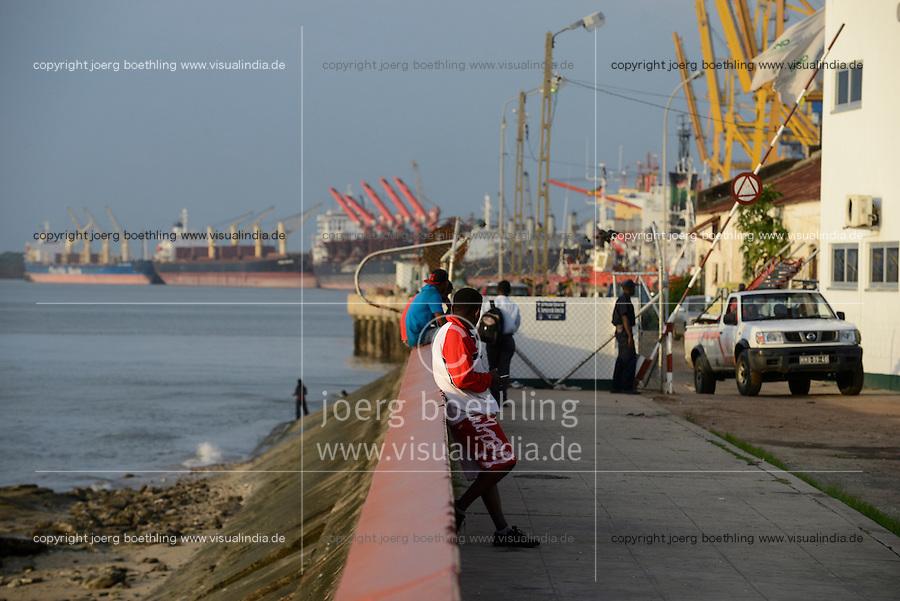 MOZAMBIQUE, Beira, sea port / MOSAMBIK, Beira, Seehafen