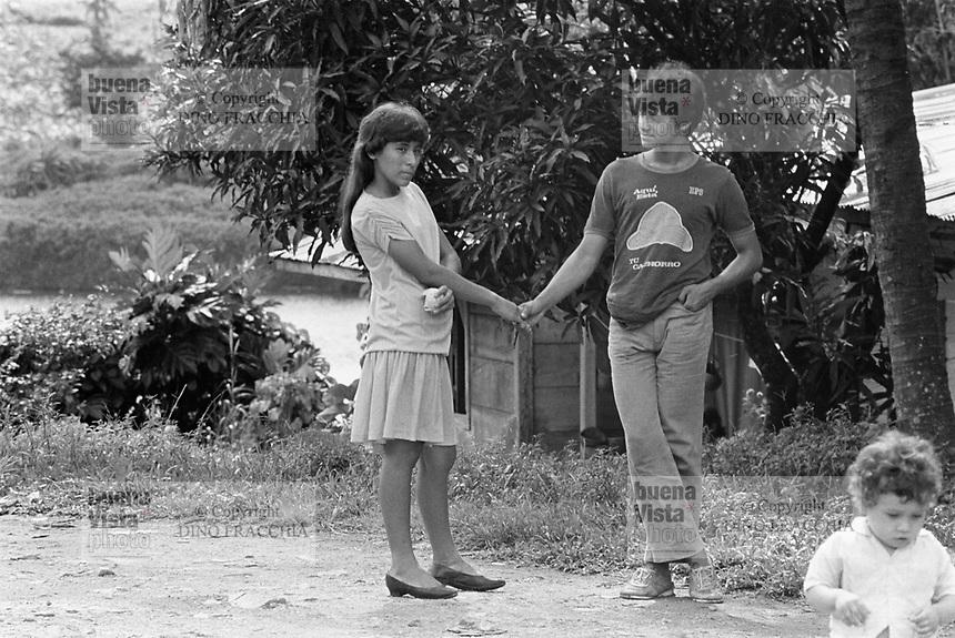 - Nicaragua, young couple in the town of Rama<br /> <br /> - Nicaragua, giovane coppia nella città di Rama