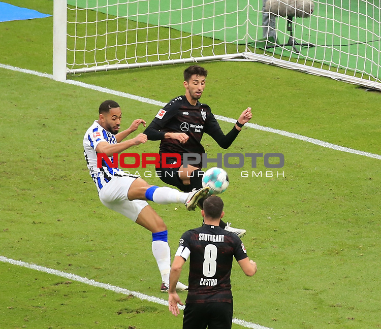 17.10.2020, OLympiastadion, Berlin, GER, DFL, 1.FBL, Hertha BSC VS. VfB Stuttgart, <br /> DFL  regulations prohibit any use of photographs as image sequences and/or quasi-video<br /> im Bild Carneiro da Cunha (Hertha BSC Berlin #10), Sasa Kalajdzic (VfB Stuttgart #9)<br /> <br />     <br /> Foto © nordphoto /  Engler