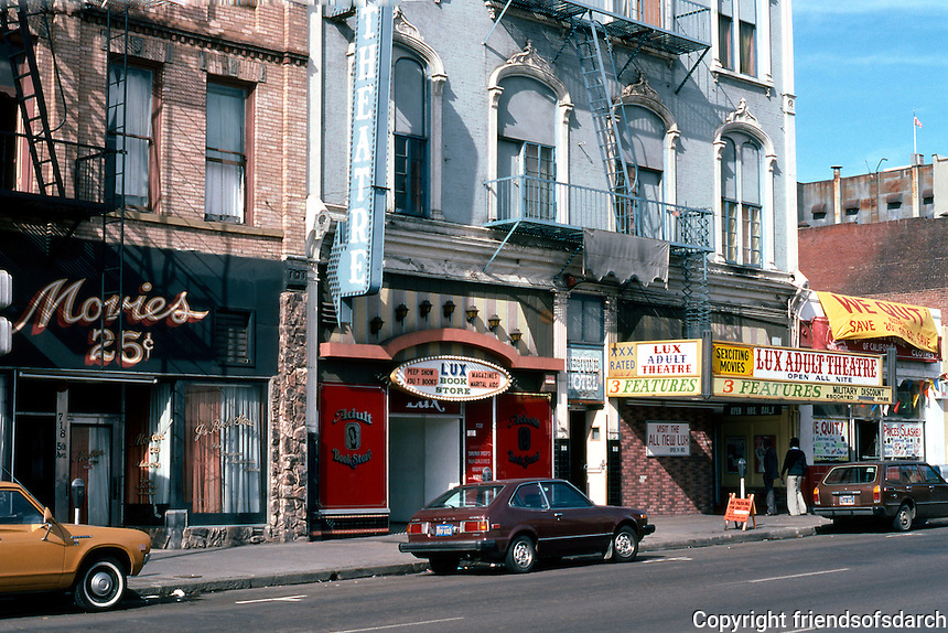 San Diego: 700 Block of Fifth Avenue, Gaslamp District.  Photo '81.