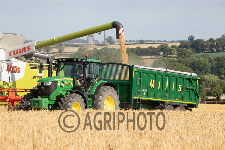 Harvesting Winter barley in Rutland<br /> ©Tim Scrivener Photographer 07850 303986<br />      ....Covering Agriculture In The UK....